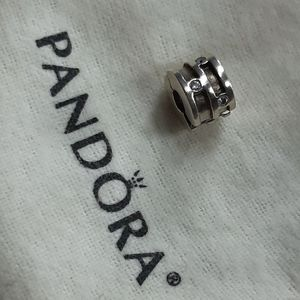 🌟 PANDORA Clip Charm with Clear Stones